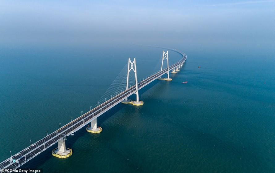 Cầu Zhuhai nhìn từ trên cao. Ảnh: Getty