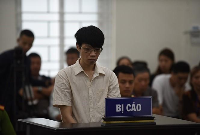 Bị cáo Nguyễn Anh Tú tại tòa.