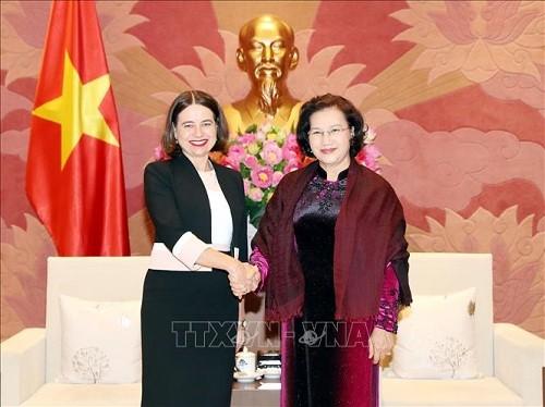 Chủ tịch Quốc hội Nguyễn Thị Kim Ngân và Đại sứ Australia Robyn Mudie - Ảnh: TTXVN