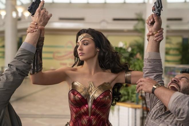 Hãng Warner Bros. quyết định đẩy lịch bộ phim mới nhất thuộc Vũ trụ siêu anh hùng DC tới tháng 8