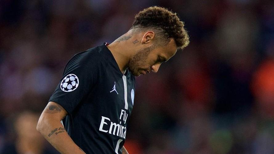 Neymar không chấp nhận yêu cầu giảm lương từ lãnh đạo PSG. (Ảnh: Getty)