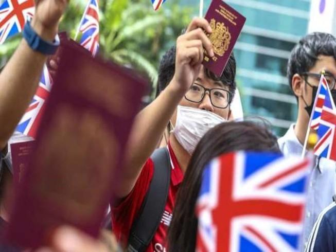 Anh tuyên bố sẽ hỗ trợ công dân Hong Kong có hộ chiếu hải ngoại Anh, bao gồm cả vợ hoặc chồng và con của họ, được phép định cư và cấp quốc tịch.