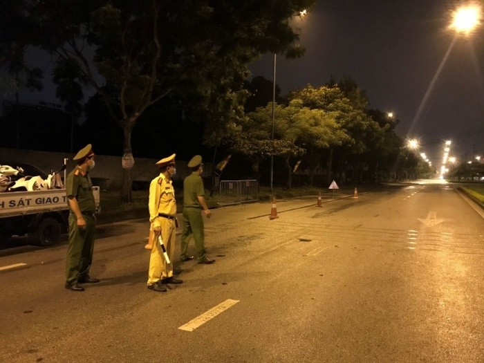 Lực lượng công an chốt chặn các ngả đường vào TP Hải Dương