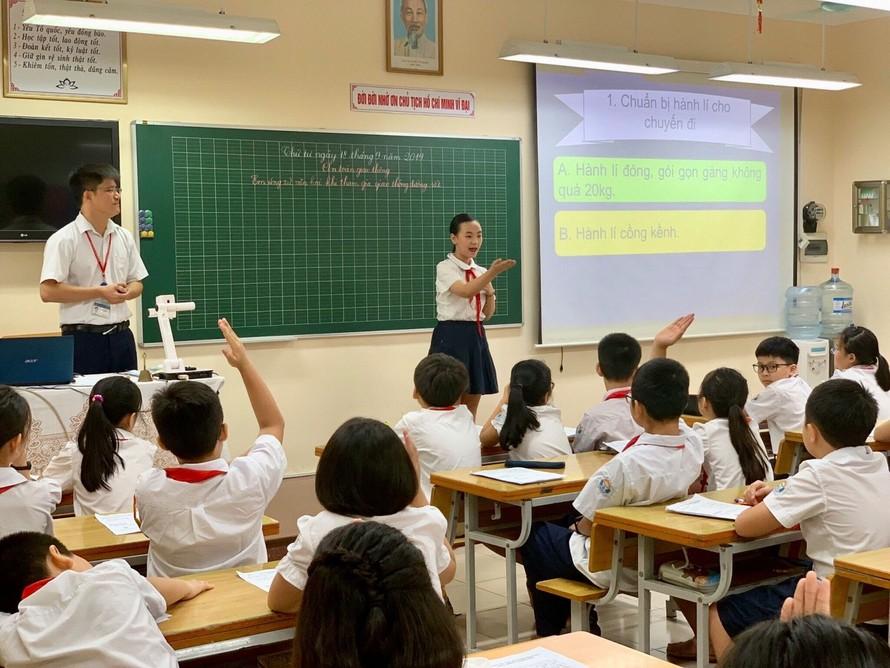 Một tiết học giáo dục an toàn giao thông tại trường tiểu học Trần Quốc Toản (quận Hoàn Kiếm, Hà Nội)