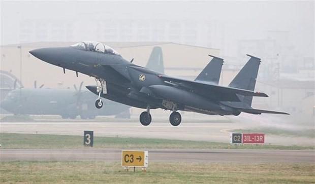 Máy bay chiến đấu F-15 của Không lực Hàn Quốc cất cánh từ căn cứ không quân Daegu. (Ảnh: Korea Times/TTXVN)