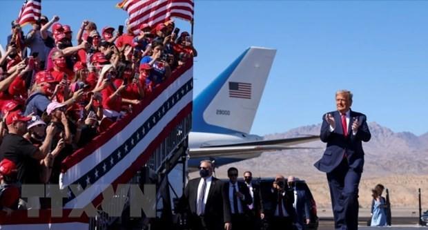 Tổng thống Donald Trump trong chiến dịch vận động tranh cử ở bang Arizona. (Ảnh: Reuters/TTXVN)