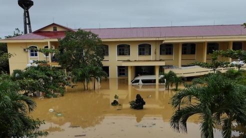 Bộ Y tế cử 7 tổ công tác hỗ trợ khắc phục hậu quả bão lũ tại các tỉnh miền Trung
