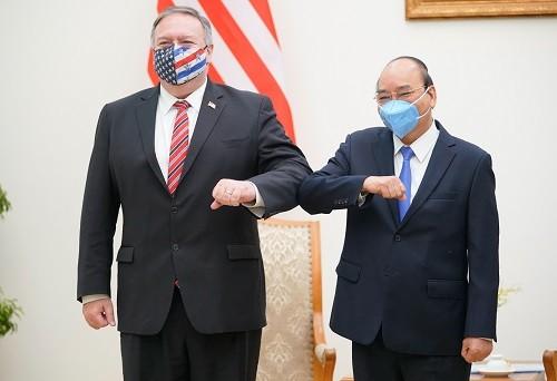 Thủ tướng Nguyễn Xuân Phúc và Ngoại trưởng Hoa Kỳ Michael Pompeo - Ảnh: VGP/Quang Hiếu