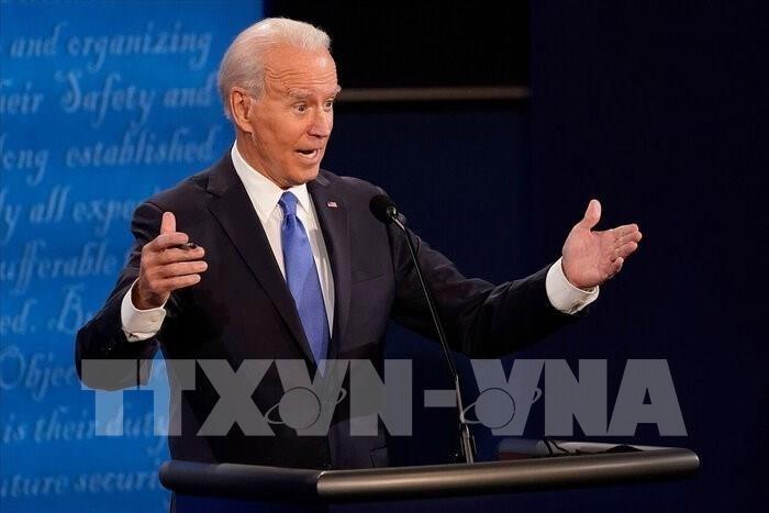 Ông Joe Biden cam kết không đóng cửa nền kinh tế Mỹ
