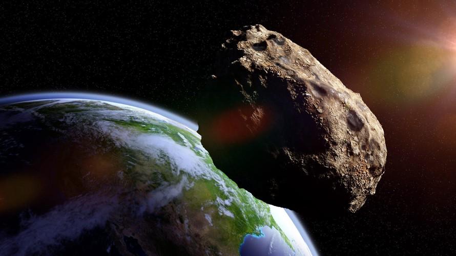 Hai tiểu hành tinh lớn hơn Đại kim tự tháp Giza sắp bay qua Trái Đất