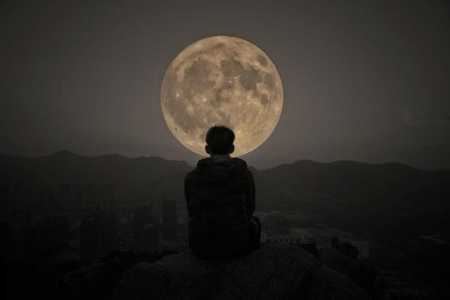 Mặt trăng có ảnh hưởng bí ẩn tới… giấc ngủ của con người?