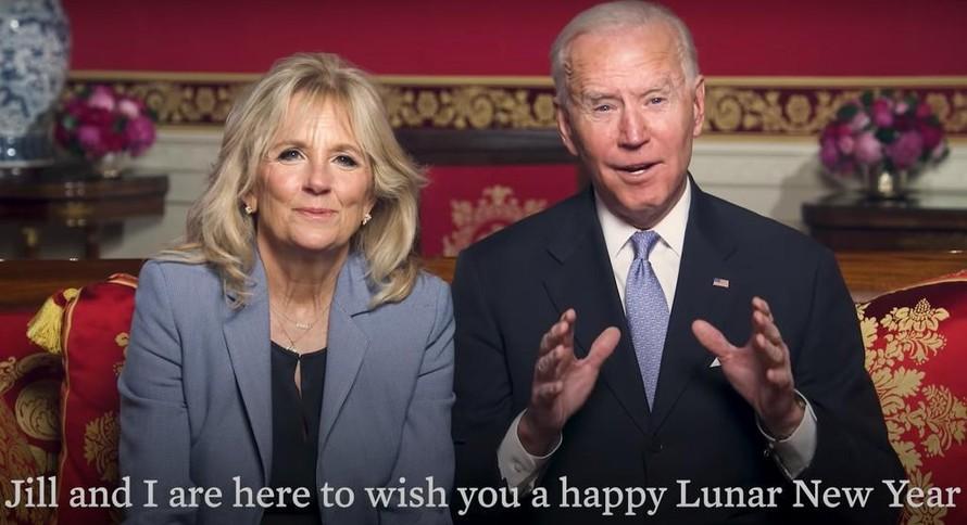 Tổng thống Biden và phu nhân trong video chúc Tết Tân Sửu. Ảnh chụp màn hình.