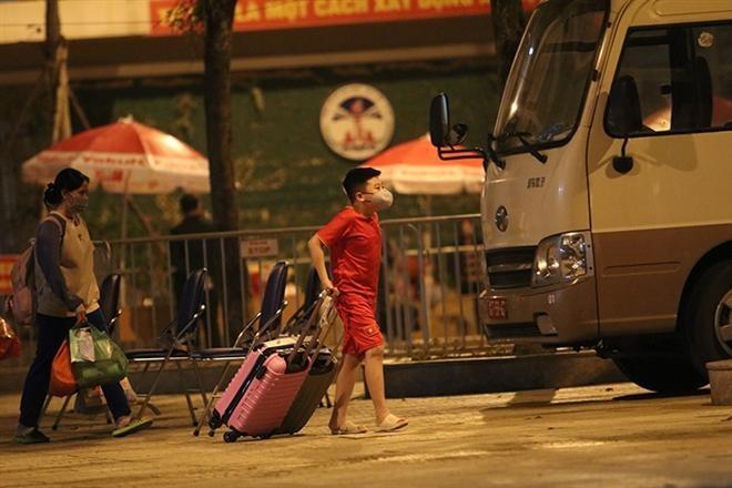 Tất cả học sinh trường Tiểu học Xuân Phương được về nhà vào sáng nay