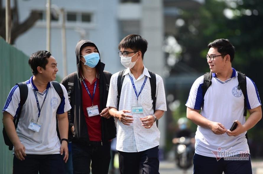 Học sinh, sinh viên từ vùng dịch có được quay lại trường ở Hà Nội vào tháng 3?