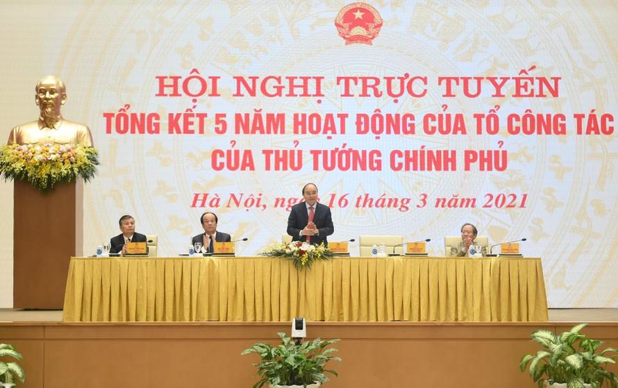 Thủ tướng chủ trì Hội nghị trực tuyến tổng kết 5 năm Tổ công tác. Ảnh VGP/Quang Hiếu