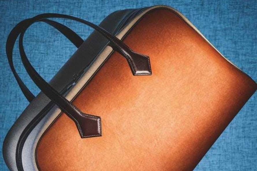 Túi xách Victoria của Hermès làm từ sợi nấm Sylvania. Ảnh: Coppi Barbieri