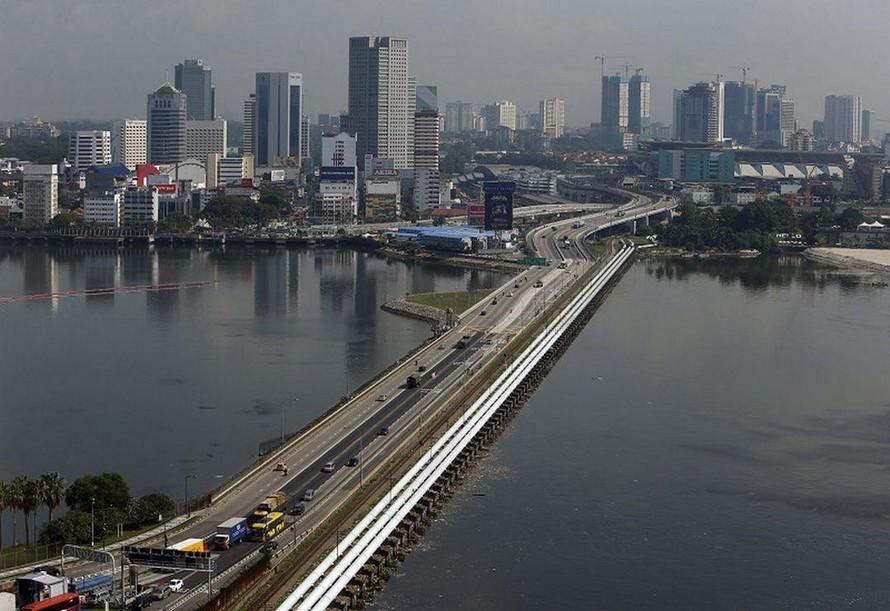 Thủ tướng Malaysia kêu gọi dỡ bỏ hạn chế đi lại với Singapore