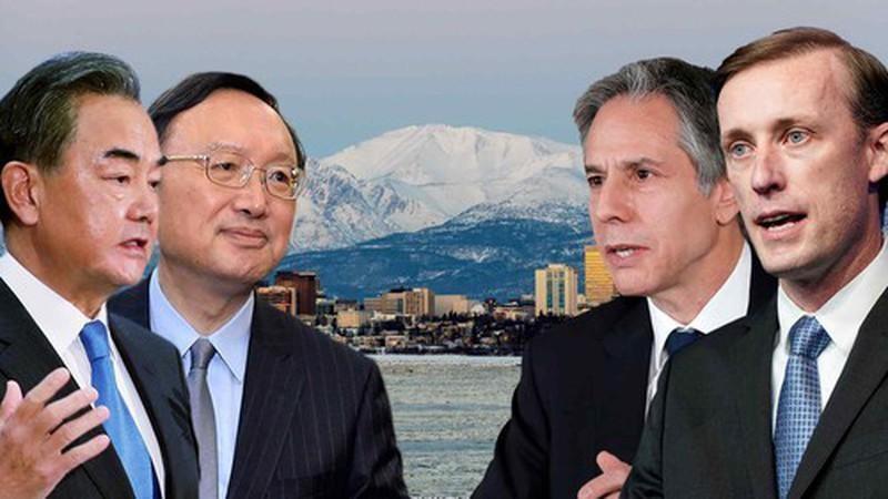 Bốn quan chức cấp cao Mỹ, Trung đã gặp nhau tại bang Alaska. Ảnh: AP/REUTERS/GETTY IMAGES