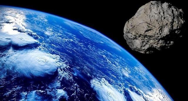 Tiểu hành tinh lớn hơn sân bóng đá đang lao về phía Trái đất