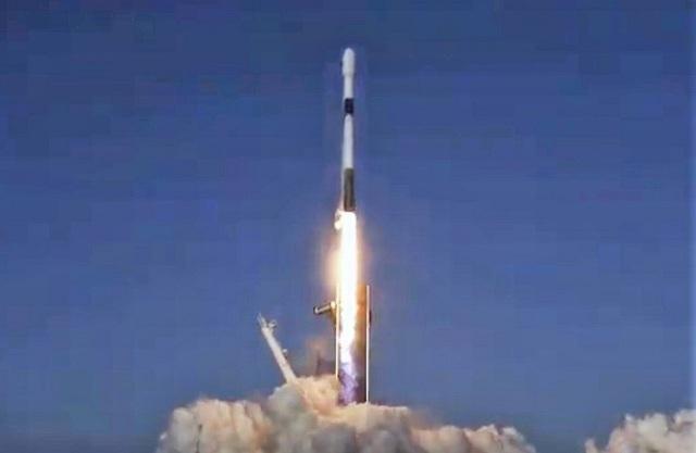 SpaceX phóng thêm 60 vệ tinh vào quỹ đạo