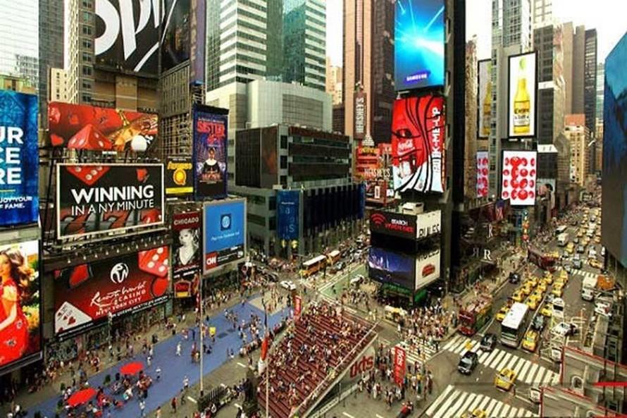 Quảng trường thời đại New York với nhiều khu phố tòa nhà xa hoa, sang trọng (ảnh nguồn internet)