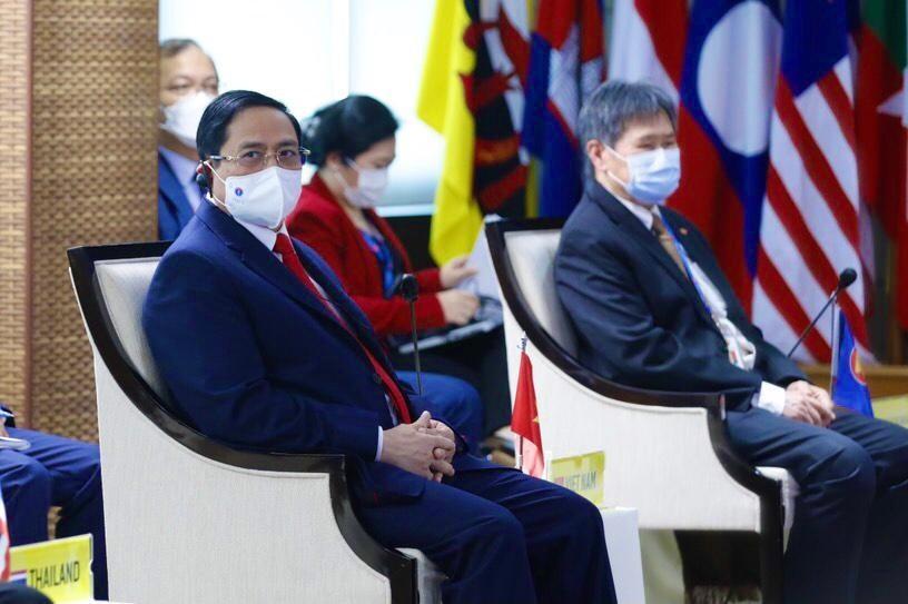 Thủ tướng Chính phủ Phạm Minh Chính cùng các Lãnh đạo ASEAN dự Hội nghị các nhà Lãnh đạo ASEAN, chiều 24/4. Ảnh: VGP/Nhật Bắc