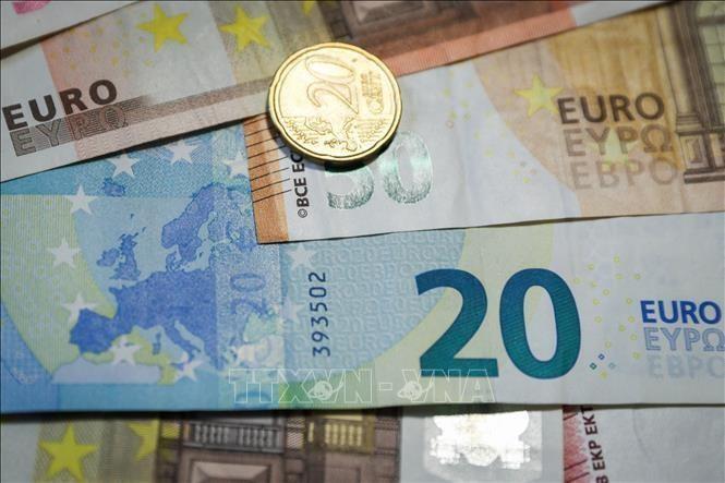 Kinh tế châu Âu rơi vào suy thoái trong quý I/2021