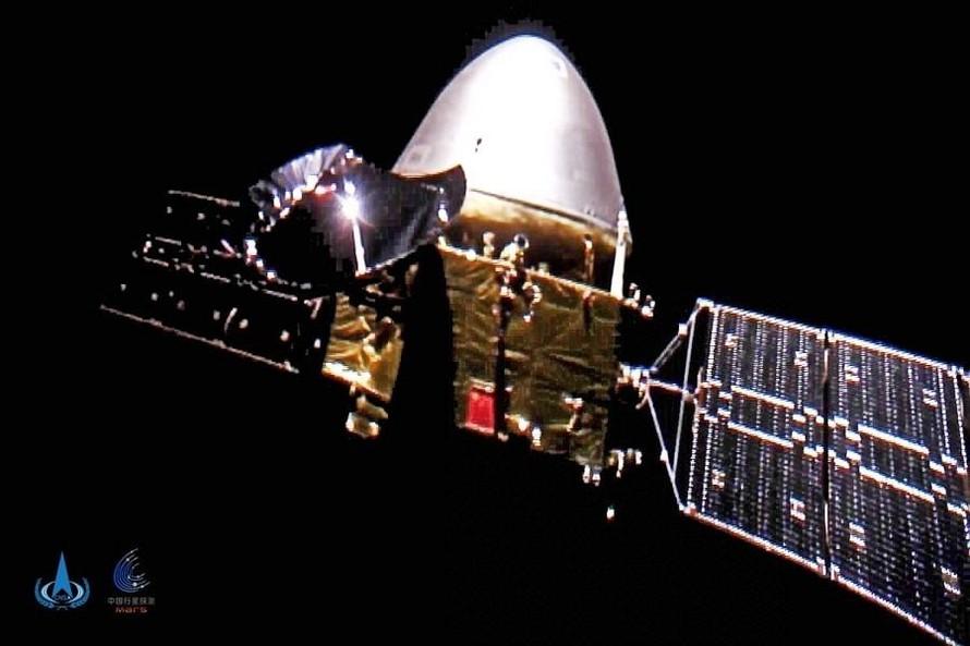 Tàu vũ trụ của Trung Quốc đáp thành công xuống bề mặt Sao Hỏa