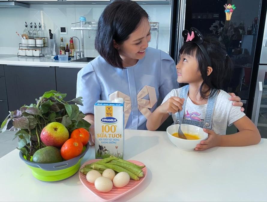 Nguồn dinh dưỡng dồi dào trong sữa tươi Vinamilk 100% hỗ trợ bé tăng cường hệ miễn dịch, nâng cao thể trạng.