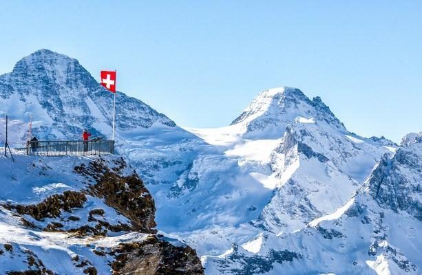 Máy bay rơi ở Thụy Sĩ, 5 người thiệt mạng