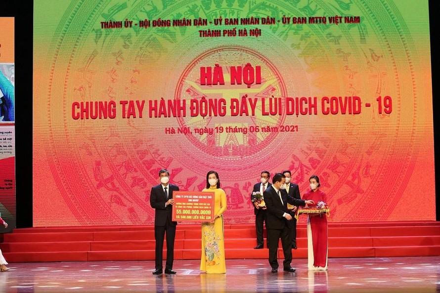 Tập đoàn Sun Group ủng hộ thành phố Hà Nội 55 tỷ đồng mua vaccine phòng chống COVID-19