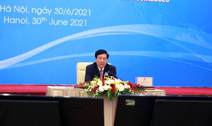 Phó Thủ tướng Phạm Bình Minh chủ trì Tọa đàm trực tuyến với cộng đồng doanh nghiệp Hoa Kỳ. Ảnh VGP/Hải Minh