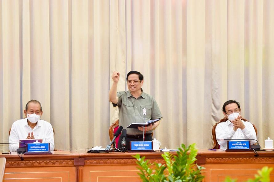 Thủ tướng Phạm Minh Chính nêu rõ: Trung ương và cả nước sát cánh cùng TP Hồ Chí Minh, quyết tâm đẩy lùi đợt dịch cam go nhất. Ảnh: VGP/Nhật Bắc