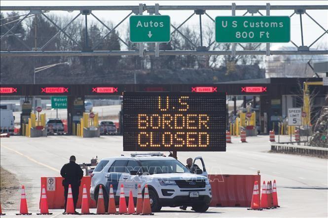Cửa khẩu biên giới Canada - Mỹ ở Lansdowne, Ontario. Ảnh tư liệu: AFP/TTXVN