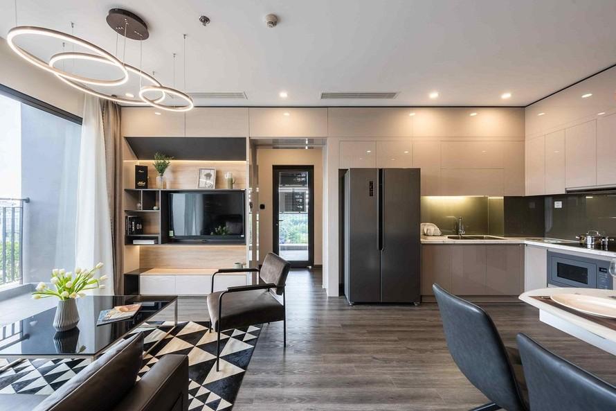 Khách thuê tham gia chương trình Tổ ấm an vui có 2 sự lựa chọn: căn hộ đã hoàn thiện nội thất đầy đủ, bao gồm đồ điện tử hoặc căn hộ hoàn thiện nội thất cơ bản