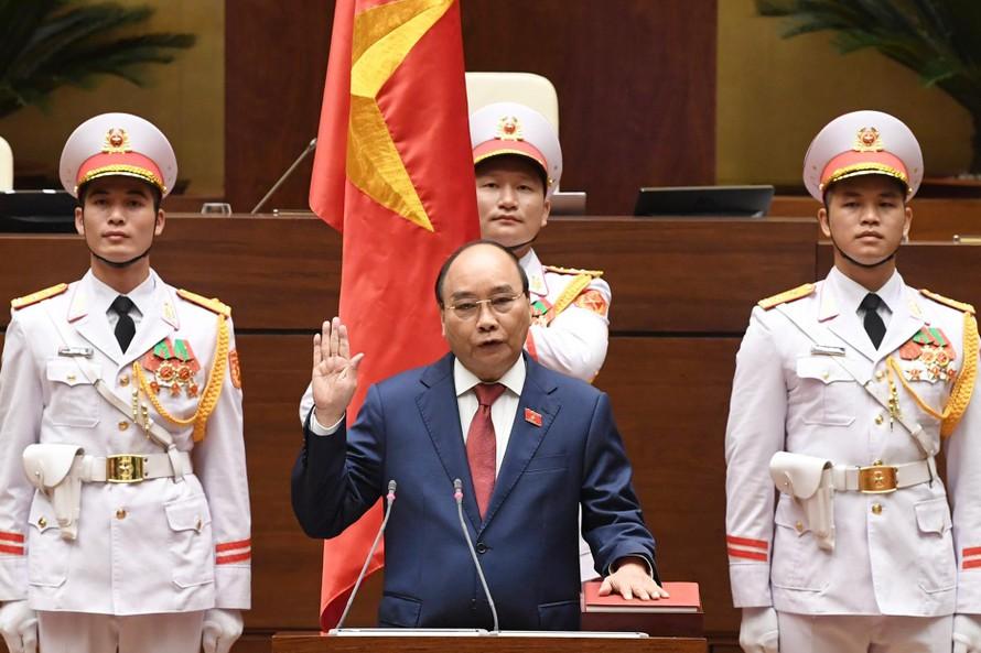 Chủ tịch nước Nguyễn Xuân Phúc tuyên thệ trước Quốc hội. Ảnh: VGP