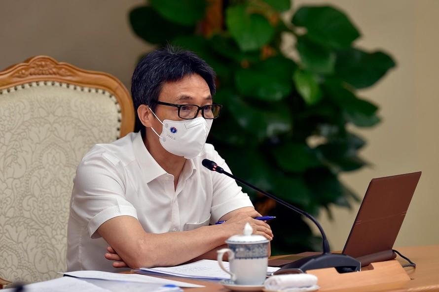 Phó Thủ tướng Vũ Đức Đam, Trưởng Ban Chỉ đạo quốc gia phòng, chống dịch COVID-19 đã giao ban trực tuyến ngắn với lãnh đạo TPHCM, Tổ công tác đặc biệt của Chính phủ thực hiện công tác phòng, chống dịch COVID-19 - Ảnh: VGP/Đình Nam