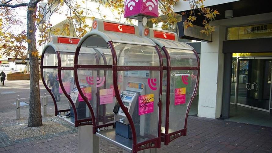 Australia: Miễn phí cước nội địa cho người sử dụng bốt điện thoại công cộng