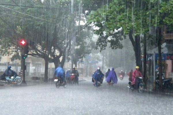 Nam Bộ có nơi mưa to đến rất to, đề phòng lốc, sét và gió giật mạnh