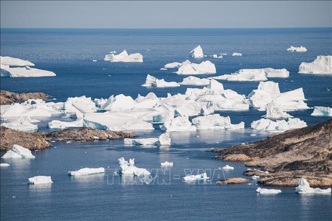 Băng trôi trên vùng biển phía đông Greenland. Ảnh tư liệu: AFP/TTXVN
