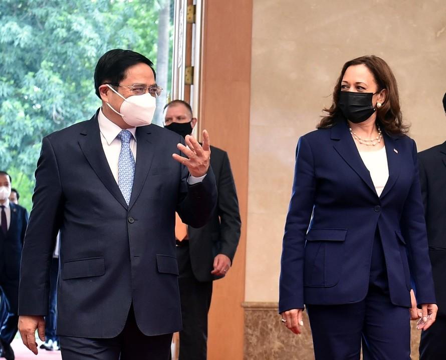 Thủ tướng Chính phủ Phạm Minh Chính và Phó Tổng thống Hoa Kỳ Kamala Harris - Ảnh: VGP/Nhật Bắc