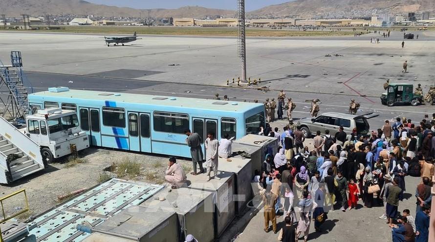 Anh cảnh báo nguy cơ IS tấn công khủng bố tại sân bay Kabul