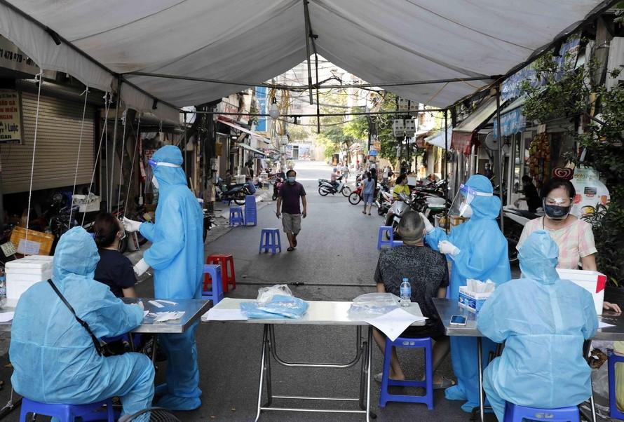 Sở TT&TT Hà Nội: 'Sống chung với COVID-19 từ ngày 15/9' là tin giả