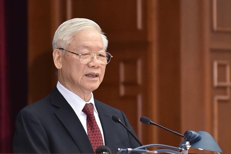 Tổng Bí thư Nguyễn Phú Trọng đề nghị Hội nghị thảo luận, đánh giá một cách khách quan, toàn diện tình hình phòng, chống dịch bệnh, phát triển kinh tế-xã hội 9 tháng đầu năm, dự báo đến hết năm 2021. Ảnh: VGP/Nhật Bắc