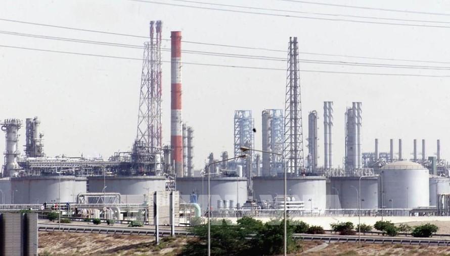 OPEC+ cân nhắc biện pháp nhằm giảm giá dầu đang 'quá nóng'