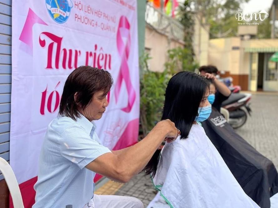 Những người mượn tóc đón Xuân
