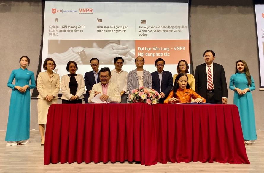 Đại học Văn Lang và VNPR hợp tác phát triển nghề quan hệ công chúng
