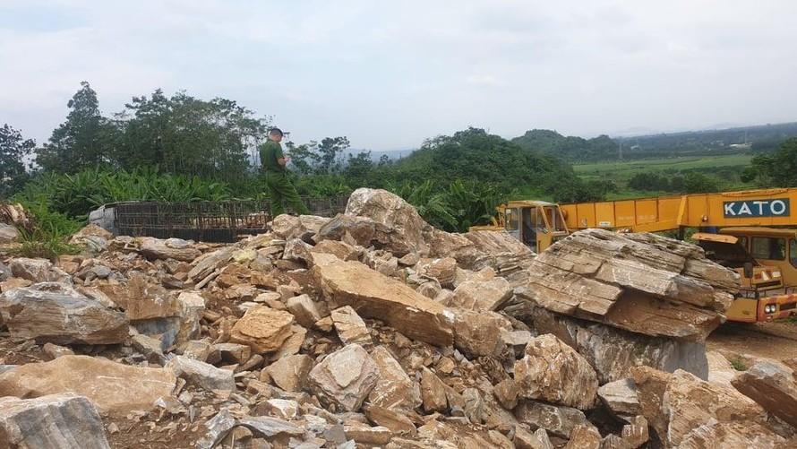 Đá mồ côi ở Nghệ An... 'kêu cứu'