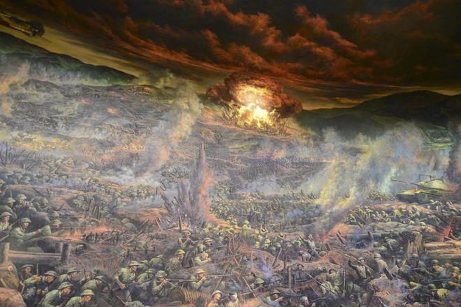 Cận cảnh bức tranh khổng lồ tái hiện chiến thắng Điện Biên Phủ