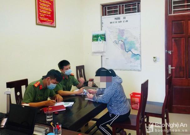 Hai phóng viên tại Nghệ An bị phạt trong ngày 21/6 vì đăng tin Covid sai sự thật lên facebook